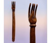 Сувенир из дерева  Чесалка - рука 46см Индонезия